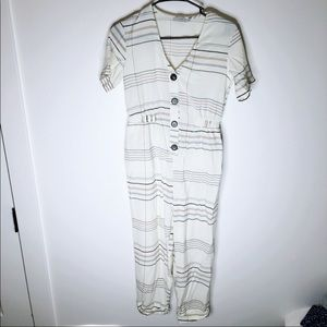 NWOT🎉 White Striped Buttoned Long Pant Jumpsuit
